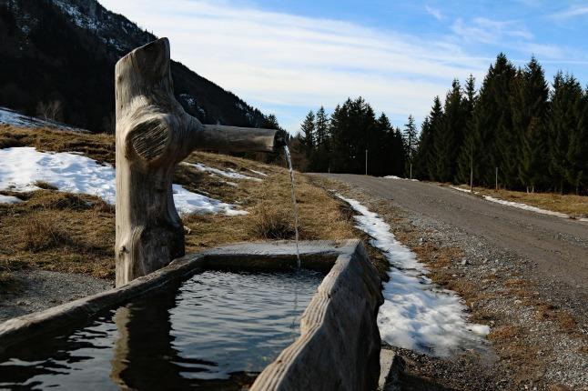 fountain-1219516_1920.jpg